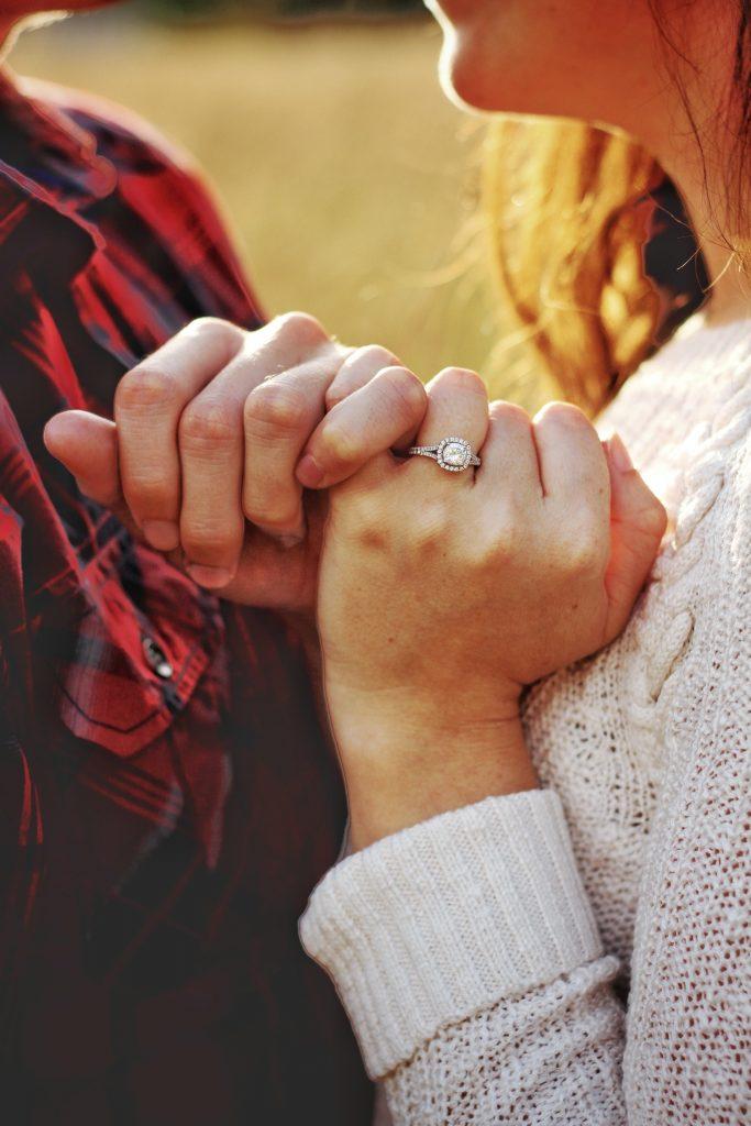 約定結婚的求婚戒指,為倆人承諾結婚的信物,更是邁入婚姻的貴重紀念品。