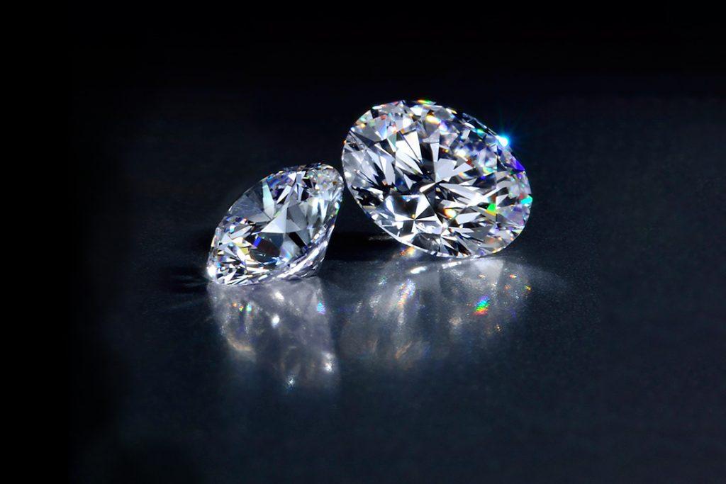 能擄獲眾多女性芳心的鑽石,雖說價格昂貴,但價格卻有所不同。