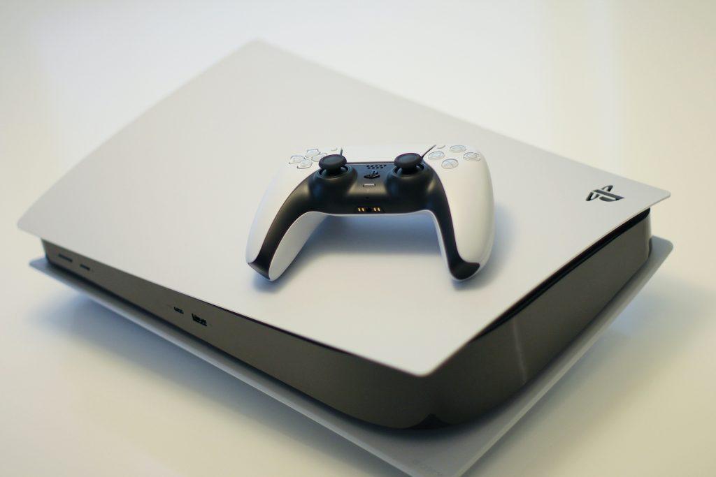 號稱是送男友終極禮物的Playstation 5,肯定能讓他雙眼發亮、興奮的又叫又跳。