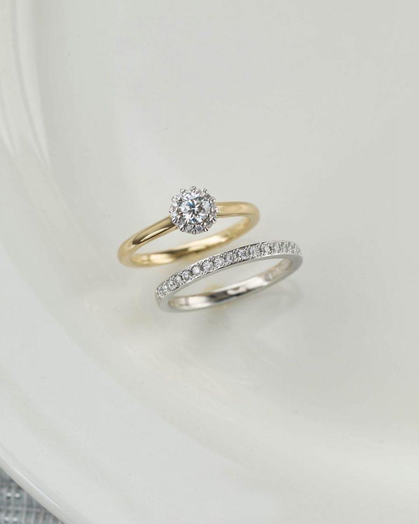純度為「Pt950」的鉑金和純度為「K18」的黃金是比較不易變形,推薦用於日常結婚戒指。