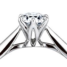 講究的技術精工細琢每一處的GINZA DIAMOND SHIRAISHI的婚禮戒指「Saint glare」
